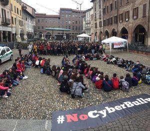 Pavia – la manifestazione contro il Cyberbullismo
