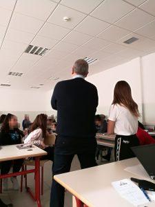 Gino Fanelli presidente di Helpis onlus scuola media di Giussago e Certosa incontri sul bullismo e cyberbullismo