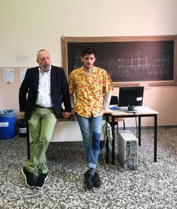 Gino Fanelli presidente di Helpis onlus all'Istituto Cossa di Pavia con Stefano Lamenta (Helpis Crew)